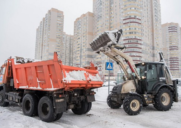 Дорожные службы Балашихи занимаются уборкой снега
